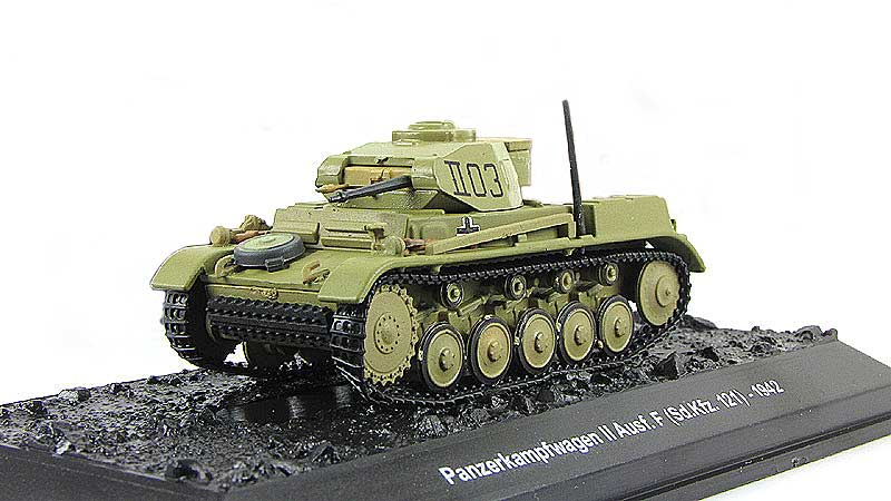 Sd.Kfz.121 PzKpfw II Ausf.F, 21st Panzer Division, German Army, North Africa, 1942 (1:72)