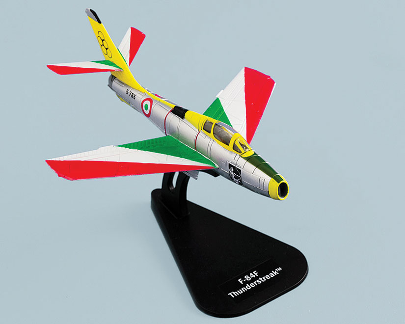 F-84F Thunderstreak, Getti Tonanti (1:100)