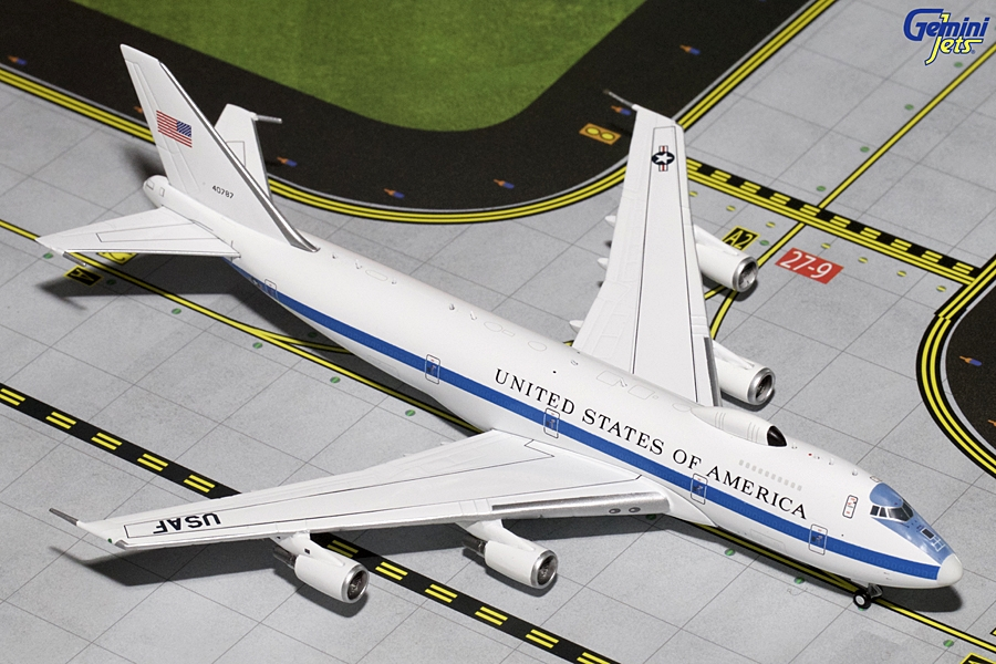 "USAF Boeing E-4B ""Flying White House"" with Antennas ""40787"" (1:400)"