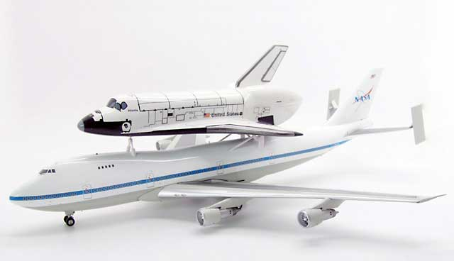 NASA 747SR with Space Shuttle Atlantis (1:200)