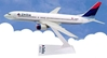 Delta 737-800 Colors in Motion (1:200), Flight Miniatures Snap-Fit Airliners, Item Number FMDAL023