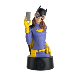 Batgirl - DC Universe Collectors Bust  - Includes magazine packed with information about the character  - Approximately 5 inches tall