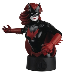Batwoman - DC Universe Collectors Bust  - Includes magazine packed with information about the character  - Approximately 5 inches tall