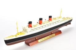 RMS Queen Mary (1:1250)